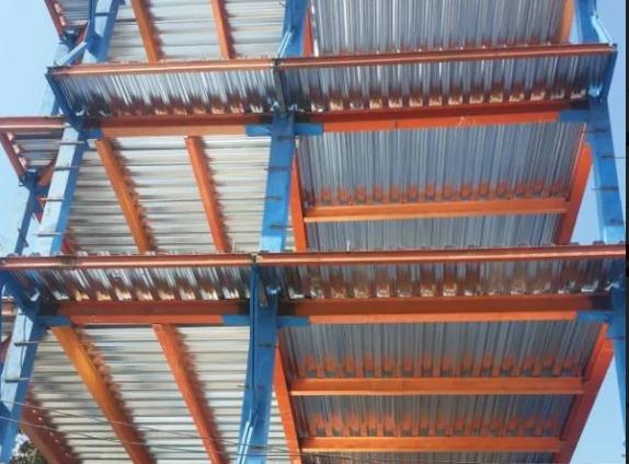 اجرای اسکلت فلزی ساختمان دریافتی آخر کار