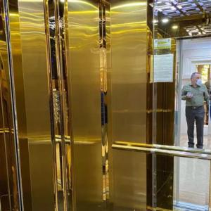 کابین آسانسور و استیل کردن درب