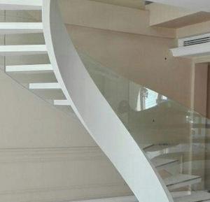 پله شیشه