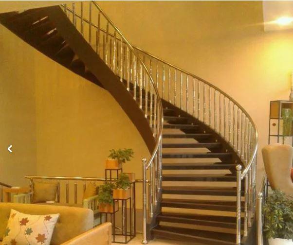 پله گرد دوبلگس نرده سازه قوص شکل شرکت ماهان سازه