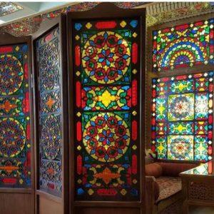 پاراوان.پارتیشن چوبی با شیشه های رنگی زیبا
