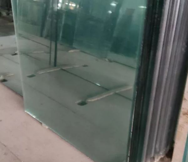 شیشه سکوریت و کرکره برقی