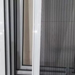 توری پلیسه برای درب بالکن وپنجره ساخت وتعمیرات