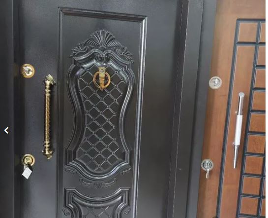 درب ضدسرقت در رویه فلز در باغ آهنی ضدآب ویلا ورودی