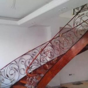 پله دوبلکس و نرده چوب و فرفورژه