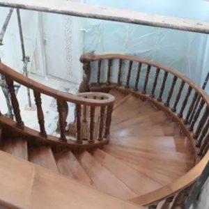 پله گرد پله چوبی نرده چوبی پله دوبلکس