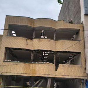 تخریب ساختمان و خاکبرداری یزدانی با پروانه کار