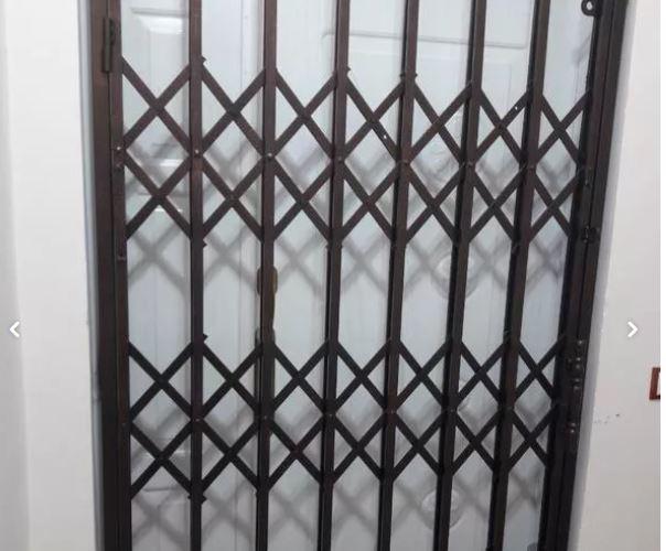 حفاظ اکاردیونی (درب کشویی) محافظ ورودی اپارتمان