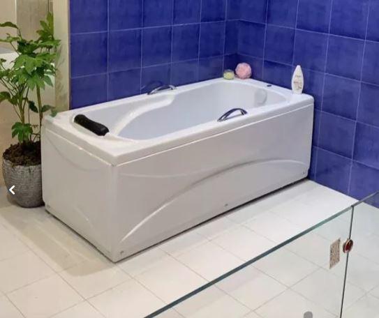وان و جکوزی حمام