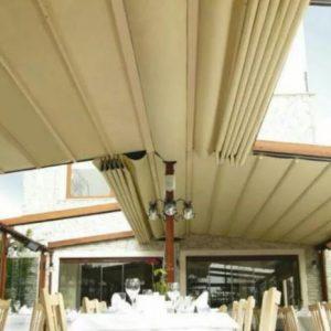 سقف متحرک،سقف برقی،سایبان بازویی