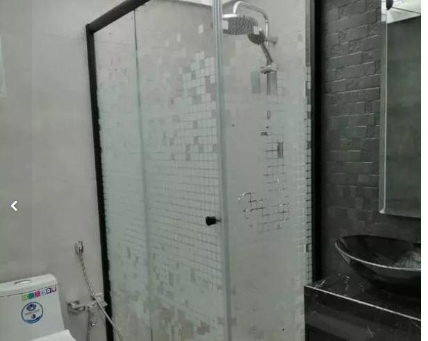کابین دوش شیشه